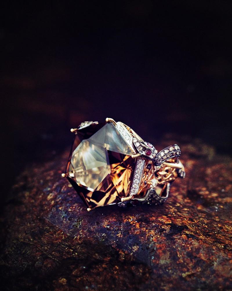 ring_topaz_1